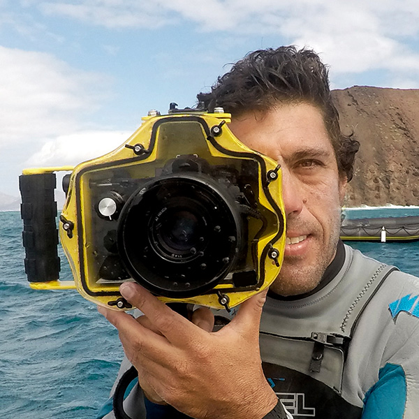 Surf Photographer Moncho Gil